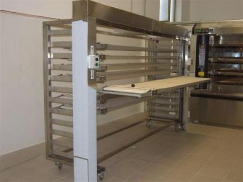 Carrelli elevatori attrezzature e arredamenti per for Cei arredamenti